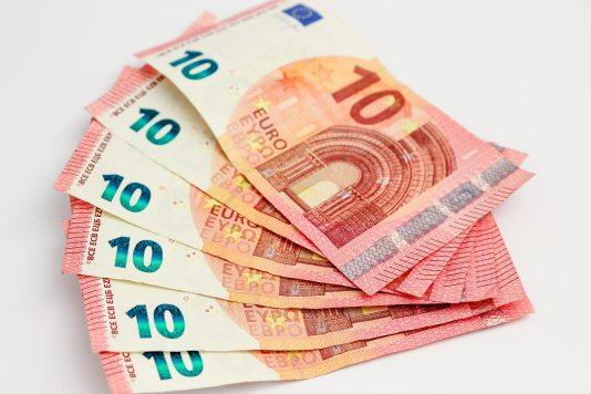 10-euros-account-bank-45708